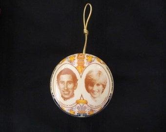 Vintage Wedding Sachet Holder Souvenir Prince Charles and Lady Diana 1981