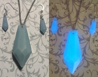 Atlantian Moss Crystal Necklace and Earring Set // Glow-in-the-Dark
