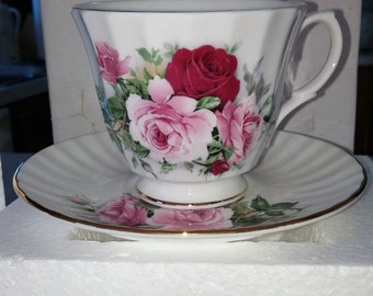 Royal Winchester Bone China Cup & Saucer Set Red and Pink Roses Full Bloom w Buds Ribbed White Porcelain New Old Stock NIB Made In England