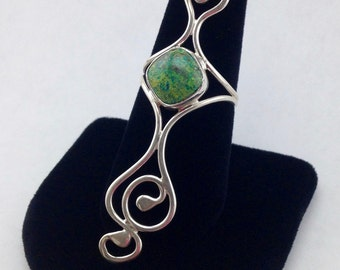 Statement Ring,size 7 ring,green gemstone ring,cocktail ring,long finger ring,bohemian swirly ring,sterling silver ring,designer ring,unique