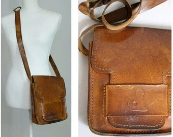 Vintage70s tan leather shoulder bag I 1970 boho leather bag