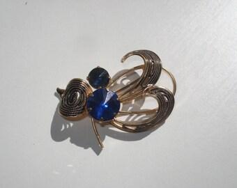 Vintage Filigree Jewelled Brooch - Blue GoldTone Filigree Retro Leaf Pin - 1960s