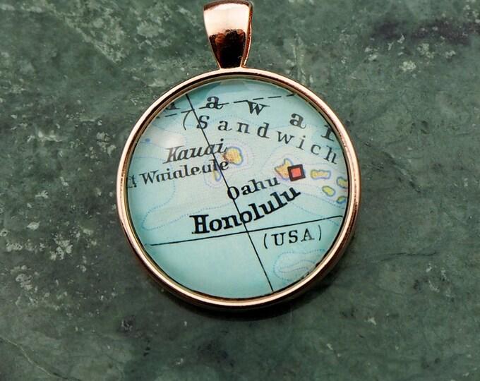 NECKLACE or KEYCHAIN Hawaii, HONOLULU, Pendant, Ø 1 inch, nickle free steel, Cabochon, Glass, Atlas, Vintage, Jewlery