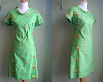 1960s How Green Was My Valley Dress - Embroidered Wiggle Dress - Large