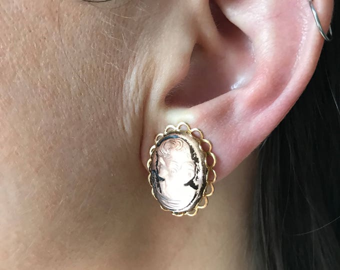 Vintage Glass Cameo Clip On Earrings