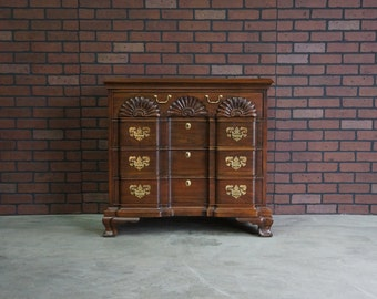 Chest of Drawers / Dresser / 4 Drawer Chest / Dresser / Gentleman's Chest / Block-Front Chest