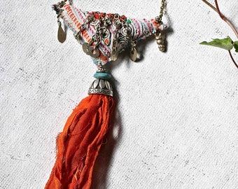 "Textile ethnique necklace : threads of sun"""