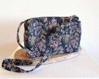 Vintage 1990s Floral Tapestry Purse or Bag