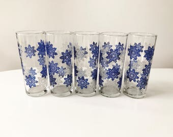 Vintage Set of 5 1950s Blue & White Snowflake Tumbler Glasses