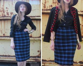 Vintage Plaid PENCIL SKIRT London TWEE Mod 70s Classic Checked Royal Blue & Black Retro Rocker Knee Length High Waist Woman Small Size Skirt