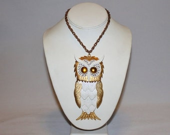 HOLIDAY SALE 25% OFF 1970s Huge Moveable White and Gold Owl Pendant Necklace