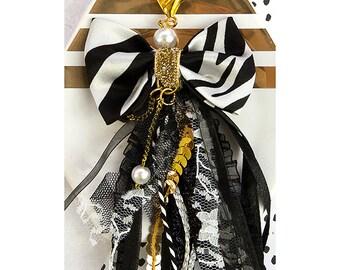 Prima - My Prima Planner - Bow Tassel with Clasp 2.75inX4- Glitz Black - White Stripe with Gold