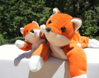 Mother and Baby Fox Push Toys: Flop-A-Lots, Reddish Brown with White Trim - Vintage