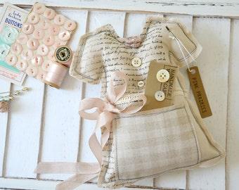 Pincushion / Dress