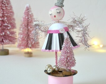 Spun Cotton Ornament / Christmas Ornament / Retro Style / Spun Cotton Girl