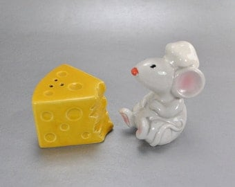 Chef Mouse and Cheese Wedge Salt and Pepper Shakers K-424 Vintage