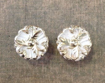 """Pair vintage 1.25"""" cabinet door drawer pull knob whitewashed brass hardware salvage French provencial retro chic home decor improvement"""