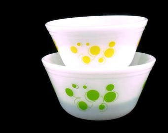 Vintage Federal Glass Atomic Polka Dot Nesting Mixing Bowls * Yellow and Green