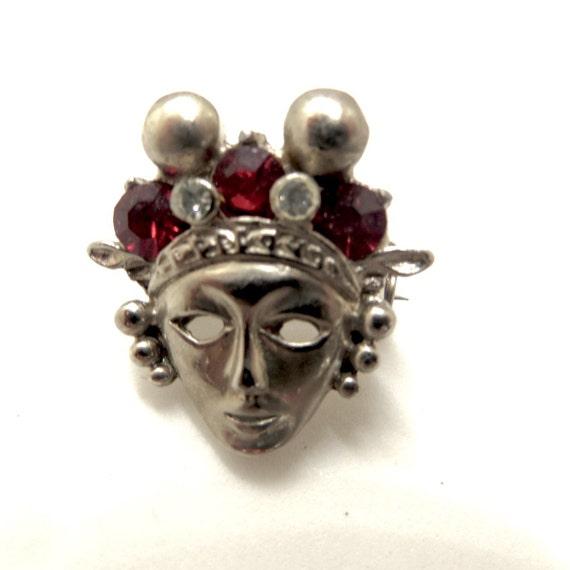 Mardi Gras Brooch, Pair of Queens, Vintage Mardi Gras Mask Jewelry