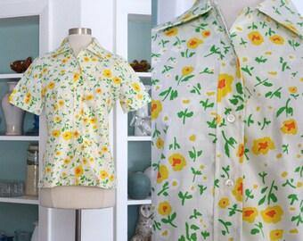 1950s Floral Blouse / Vintage 50s 60s Yellow Orange Green Bright Floral Daisy Print Cotton Blouse / Rockabilly Top / Cotton Shirt - S/M