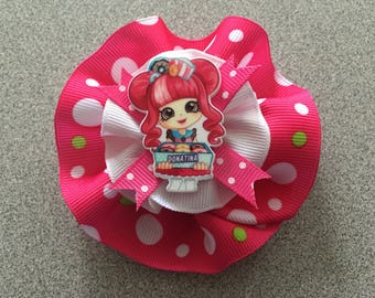 Round Hair Bow with Resin Doll Figure