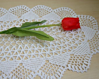 Large handmade, crochet cotton white table runner, lace doilie, home decor, lenght 21 inches, placemat