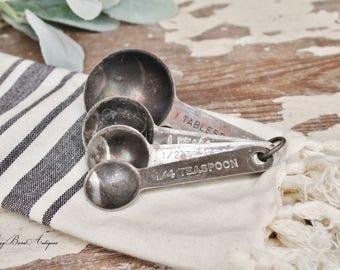 Vintage Aluminum Measuring Spoon Set Farmhouse Decor Fixer Upper Decor Set of 4