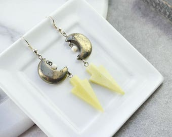 "Earrings spikes pyrite ""moon"" and arrowheads agate"