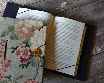 "Extra-large book holder, XXL, hands-free book cover, floral print, holds books up to 2-1/4"" thick, 9-1/2"" tall & 6-3/4"" wide"