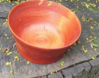 Simple pine bowl.