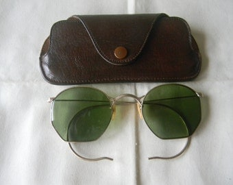 True Vintage Rare  Ful Vue  BENSON  1/10 12K GF Wire Frame Green Lens Sunglasses 1930's. Made in USA.