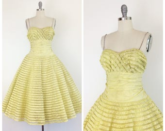 50s Yellow Ruffle Prom Dress / 1950s Vintage Cupcake Sweetheart Tulle Party Dress / Small / Size 4 to 6