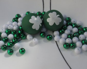 Lot Of Green & White Plastic Loose Beads Clover Ball Shaped Rubber Beads  St Patrick's Day
