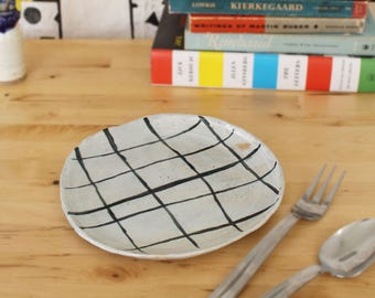 Handmade Minimal Ceramic Plate With Painted Design