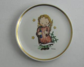HUMMEL porcelain miniature collection plate. The Berta Hummel Museum Miniature Plate Collection. Made in West Germany. © Schmid 1978 VINTAGE