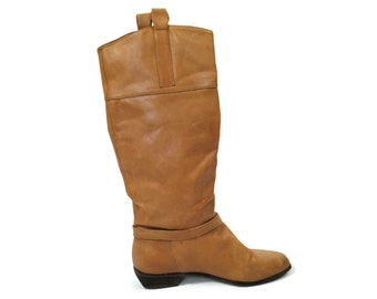 1980s Caramel Leather Boots / 80s Low Heel Riding Boots in Brown Tan size 7