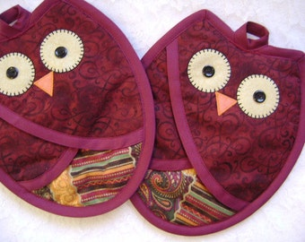 Burgandy Owl Potholders, Owl Pot Holders, Owl Oven Mitts, Owl Hot Pads,Owl Kitchen, Owl Lover, Pocket Potholders