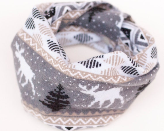 Moose baby scarf with snaps, Flannel baby infinity scarf, Toddler scarf, Fall baby scarf, Canada scarf bib, Baby Cowl, Maple leaf baby scarf