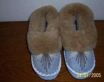 SIZE EU 39=US 8,5 Fur leathers slippers, sheepskin, Moccasin, Embroidered, Home Slippers, Gift