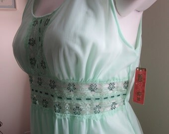 vintage green chiffon nightgown /NOS / union label /ML
