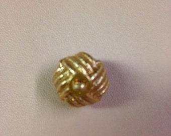CHANEL AUTH. 1 gold cc logo button 12 X 14 MM