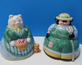 Vintage Ceramic Cows Pigs Bulls Salt & Pepper Shakers Animal Farm Japan #P16