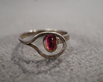 vintage sterling silver statement ring with large pink glass stone, size 6 1/2  M2