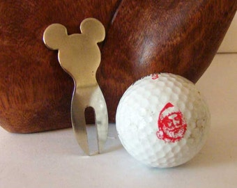 Mickey Mouse golf divot, Mickey Mouse ears golf divot, golf divot repair tool, Disney mouse ears, golfer gift