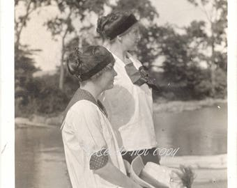 onlookers ~ Vintage Snapshot Photo ~ candid photography