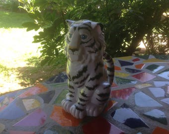 Vintage plastic Ringling Brothers Barnum and Bailey Circus souvenir white tiger mug with hinged lid