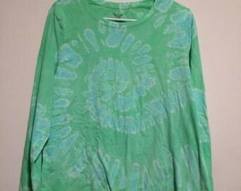 Women's 2X (20) long sleeved top, reverse tie dye light green