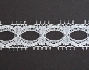Vintage white lace, 2 yards, 15mm, wedding supplies, scalloped lace haberdashery trim ribbon sewing supplies sewing notions wedding lace L28