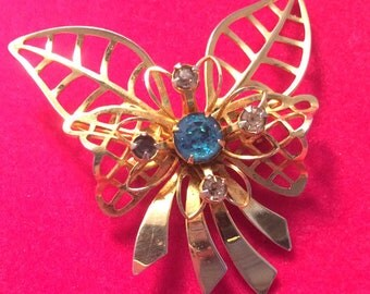 Adorable Mid Century Vintage 50s Goldtone Flower Bouquet Pin Brooch with Blue and Clear Rhinestones