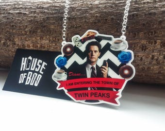 Iam entering the town of Twin Peaks necklace - featuring Agent Cooper, and hung on silver chain.